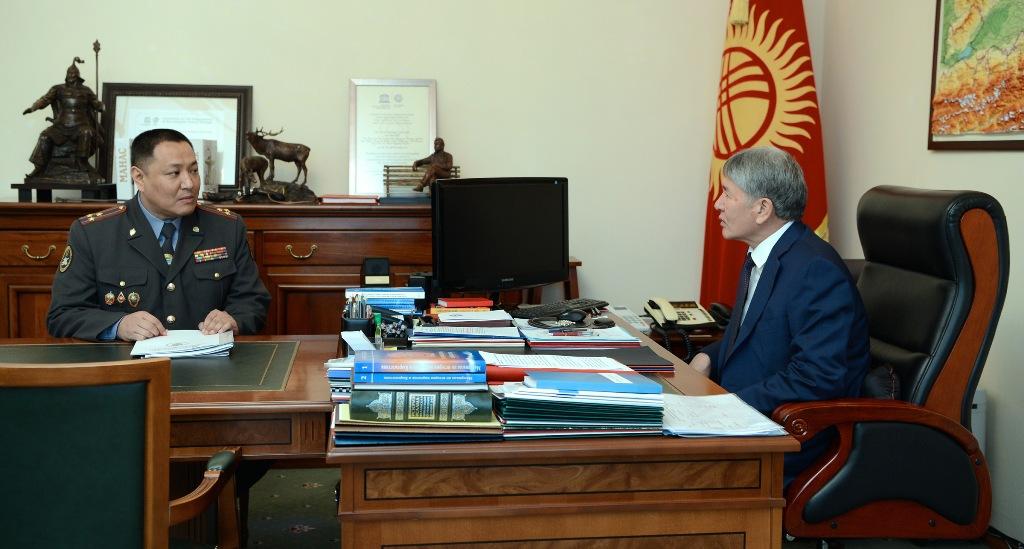 Атамбаев: полиция должна уважать право людей на высказывание гражданской позиции