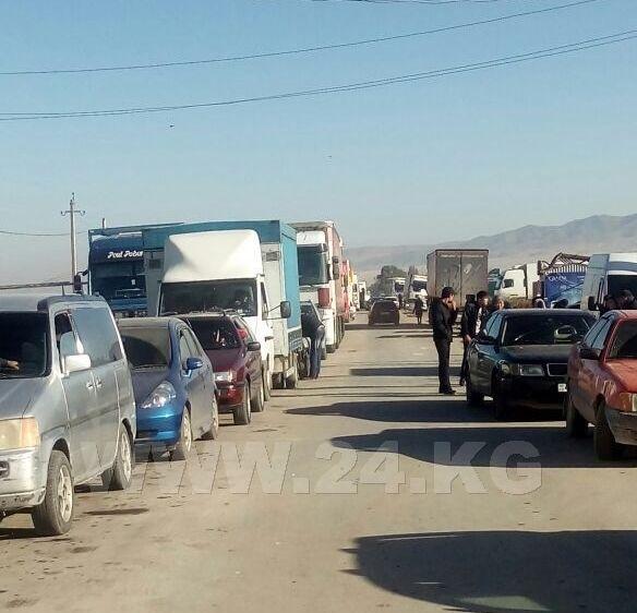 Погранслужба: Казахстан производит пропуск награнице вусиленном режиме