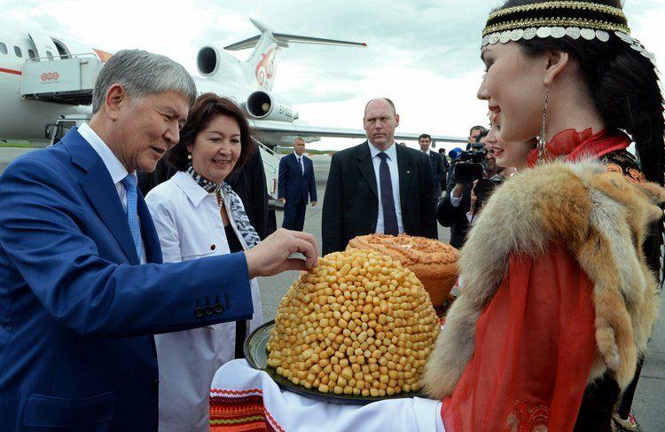 ВКазань срабочим визитом прибыл президент Кыргызской Республики Алмазбек Атамбаев