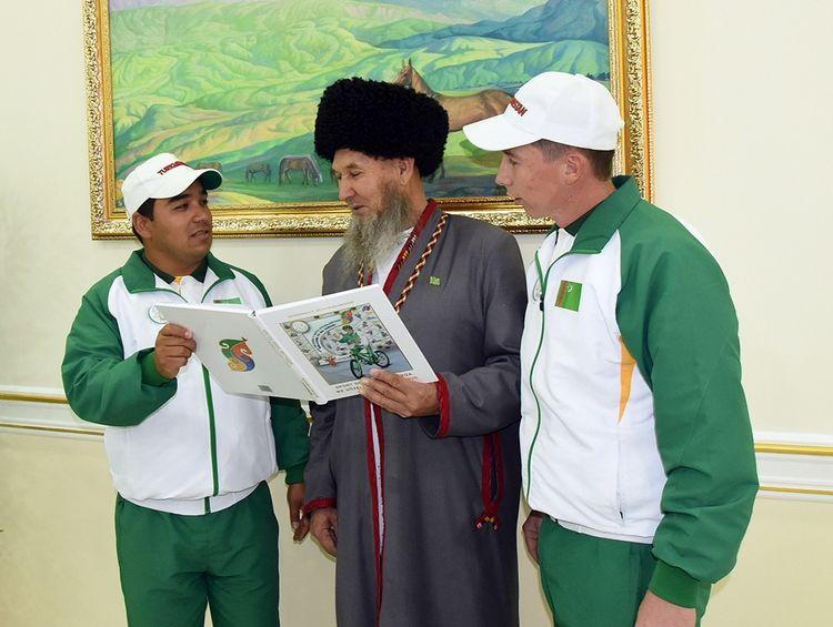 ВАшхабаде состоялась презентация новоиспеченной книги президента Туркменистана