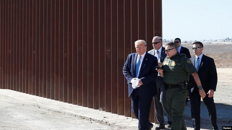Через мексиканскую стену несмогли перелезть даже скалолазы— Трамп