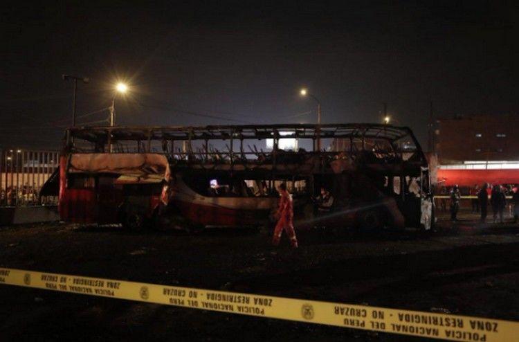 20 человек погибли вПеру при возгорании пассажирского автобуса