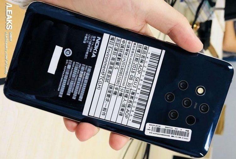 Nokia 9 с пятью камерами на живом фото