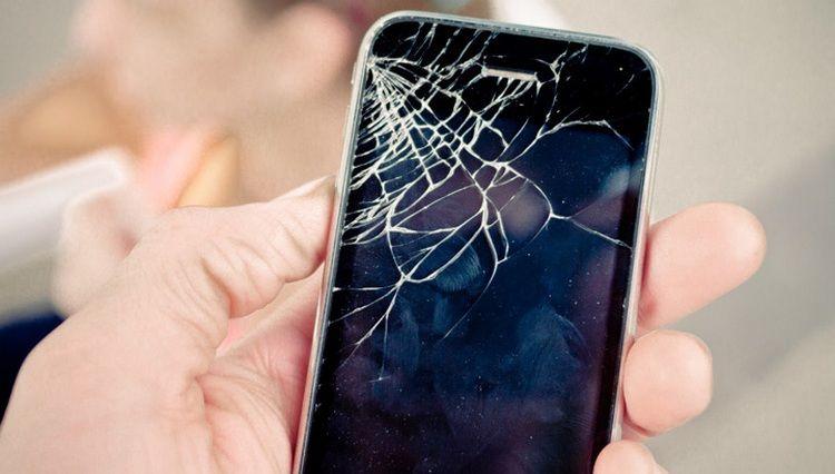 Названа самая распространенная причина поломки смартфонов